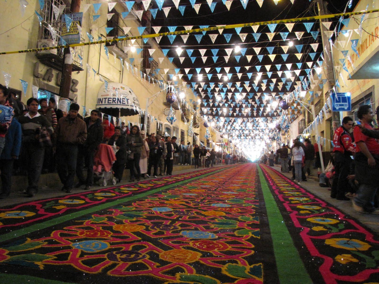 Tradici n de alfombras y tapetes de huamantla son for Alfombras y tapetes