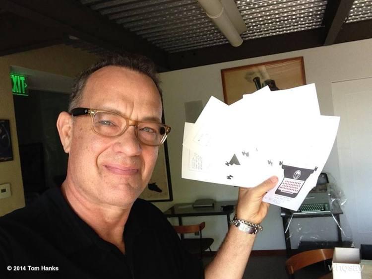 Tom Hanks creó una aplicación, basada en una máquina de escribir/Facebook Oficial