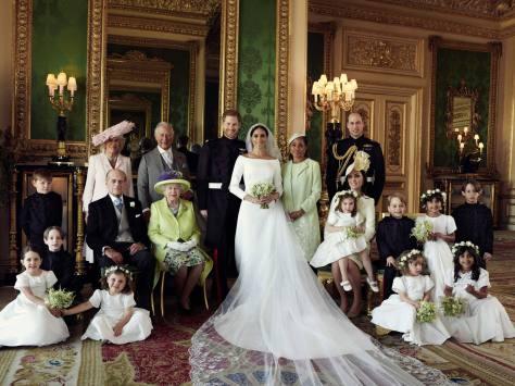 Foto oficial de la boda del príncipe Harry y Meghan Markle con sus familiares. / Foto: The Royal Family.